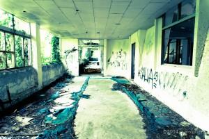世界遺産の中にある廃虚:中城高原ホテル(沖縄県中城村)