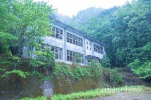 忘却の彼方にある廃校:東ノ川小中学校(奈良県上北山村)