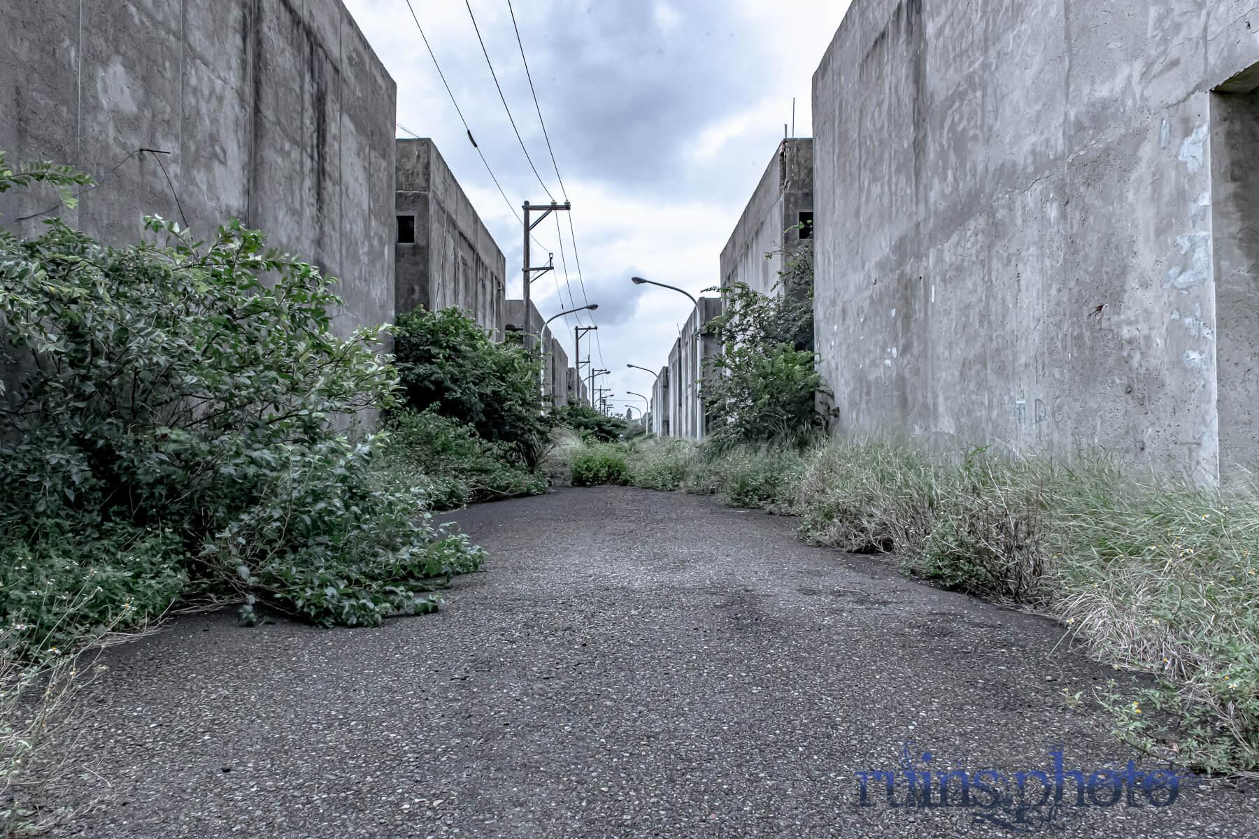 田園地帯にある団地:台湾桃園国際空港近くの廃村(台湾桃園市)